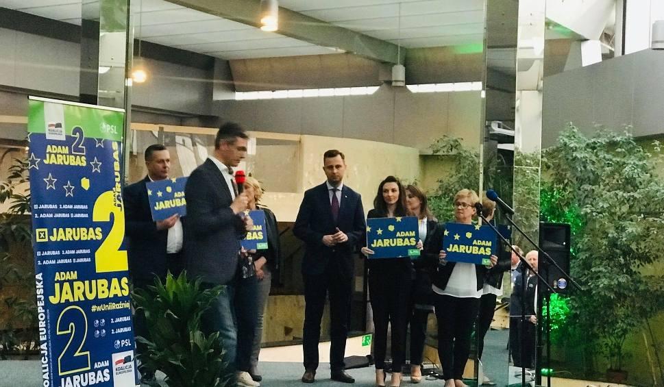 Film do artykułu:  Adam Jarubas i Władysław Kosiniak-Kamysz w Kielcach. Ostatnia prosta kampanii przed wyborami do Parlamentu Europejskiego (ZDJĘCIA)