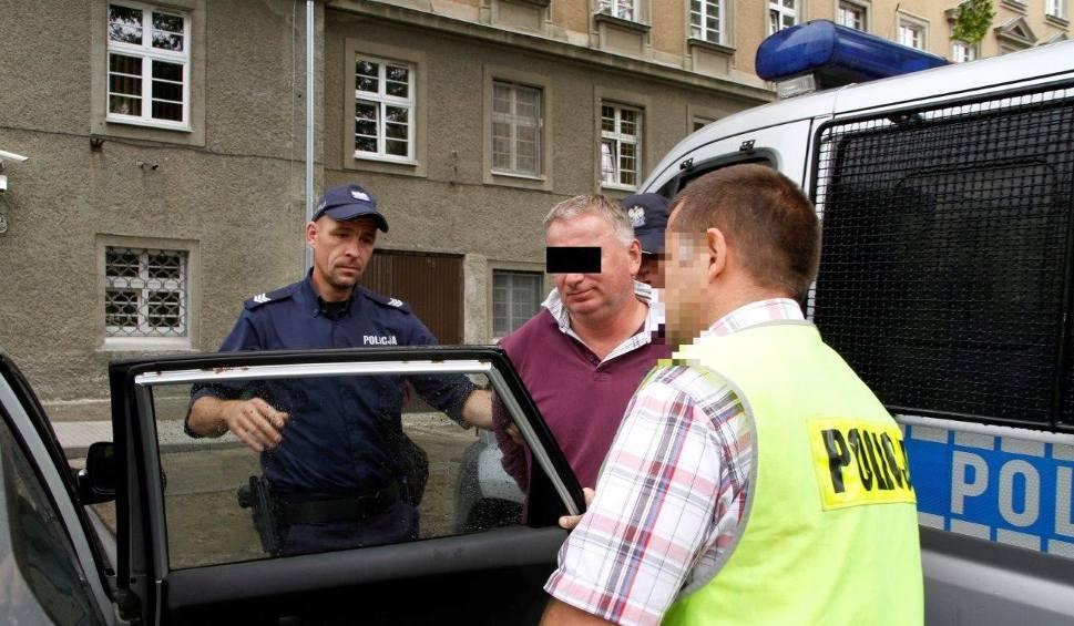 Film do artykułu: Zarzut dla sprawcy ataku na biuro poselskie Platformy Obywatelskiej