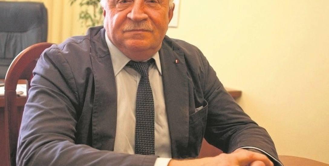 Józef Mroczek usiłuje przekonać Jarosława Kaczyńskiego, że Włodzimierz Bernacki źle kieruje partią w okręgu bocheńskim
