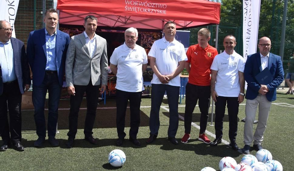 Film do artykułu: Marszałek, Wasiak, Szmal, Żubrowski i inne znane osoby na otwarciu turnieju Świętokrzyskie Cup. To gratka dla graczy FIFA20 [WIDEO, ZDJĘCIA]