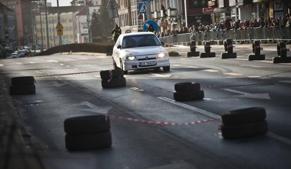 Film do artykułu: Monte Karlino 2019. Test umiejętności kierowców i wytrzymałości samochodów na zróżnicowanej i długiej trasie [zdjęcia, wideo]