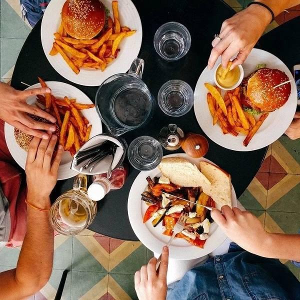 """""""Too Good To Go"""" - nowa aplikacja działa już w Trójmieście. Jedzenie z restauracji i barów można kupić taniej i przy okazji ratować planet"""