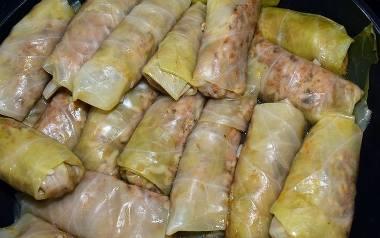 Tradycyjne gołąbki z ryżem, kaszą i mięsem Koła Gospodyń Wiejskich.