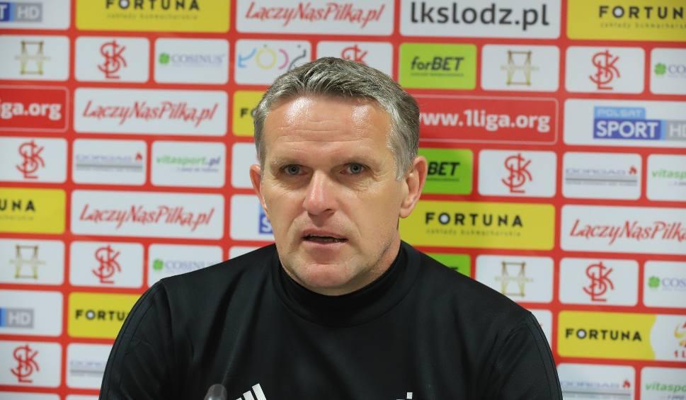 Film do artykułu: Trener Kazimierz Moskal wściekły. ŁKS nie mógł trenować na trawiastym boisku!