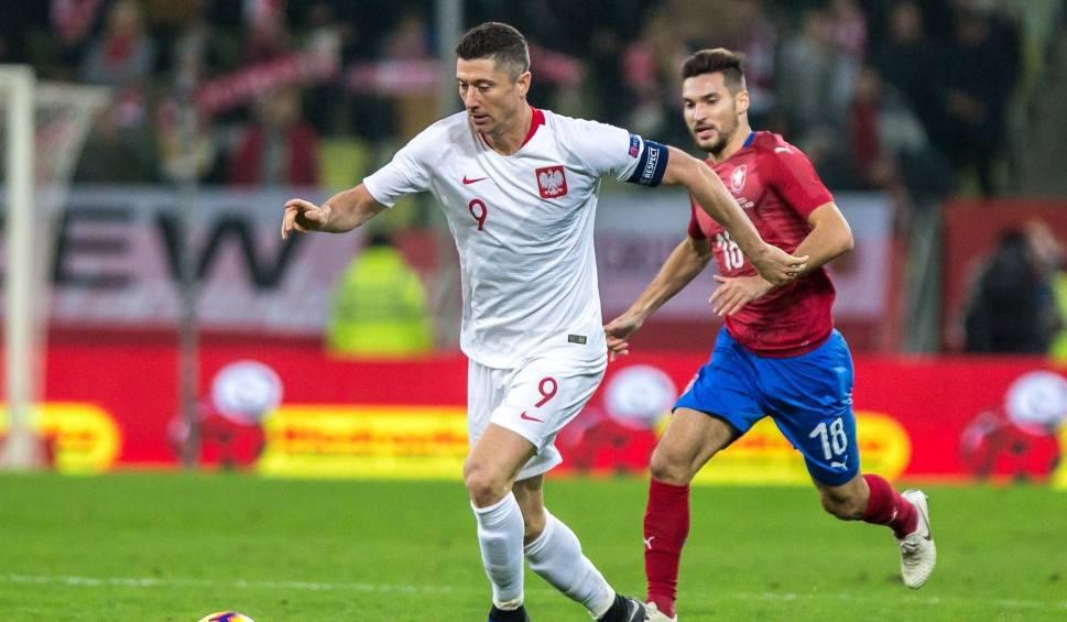 Film do artykułu: Czy to już kryzys? Piąty mecz z rzędu bez wygranej. Polska uległa Czechom, Lewandowski nie trafił do pustej bramki