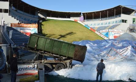 Na skoczni w Wiśle trwa już naśnieżanie, śnieg na Puchar Świata będzie na pewno