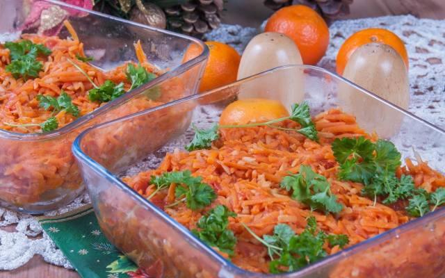 Naczynia żaroodporne przydadzą się i do przechowania, i podgrzania jedzenia. Można nawet podać w nich potrawy na stół.