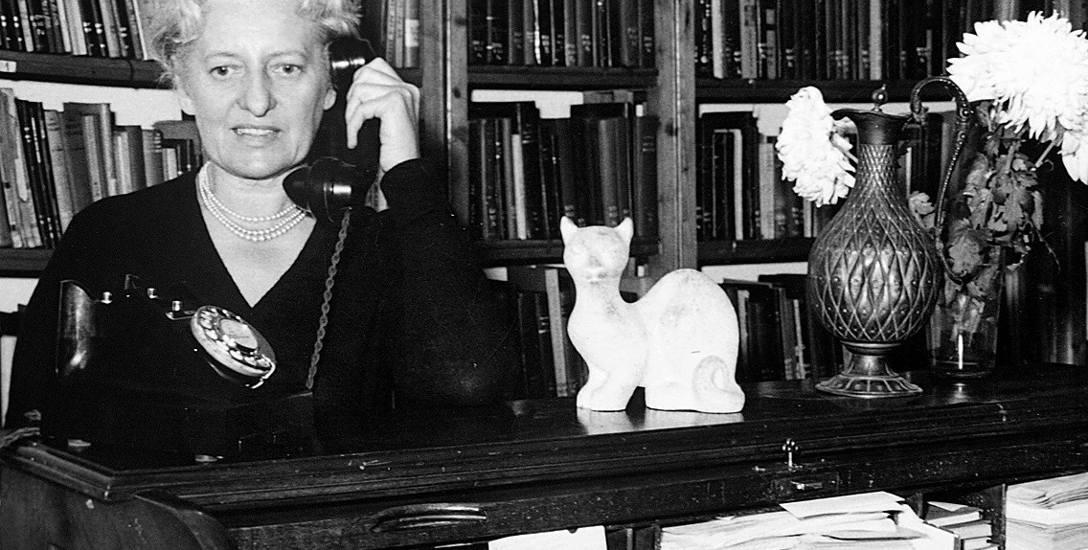 """Maria Danilewicz-Zielińska, po osiedleniu się w Portugalii, w pobliżu Lizbony, nazywana """"Latarnikiem w Feijó""""."""