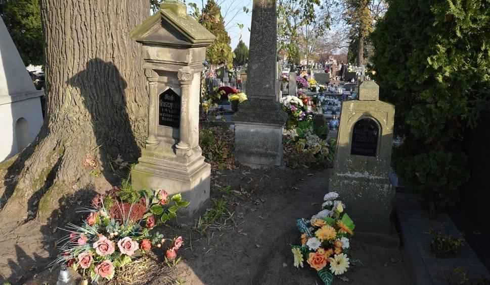 Film do artykułu: Kwesta na odnowę nagrobków na cmentarzu w Stalowej Woli tylko przez Internet