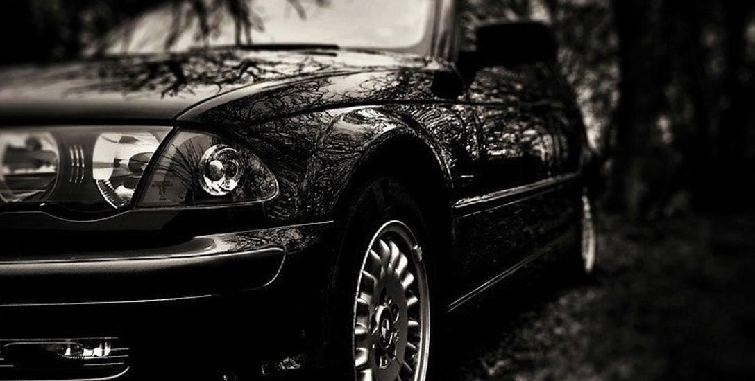 Dziwna sprawa kierowcy z czarnego samochodu na osiedlu Kasztanowym