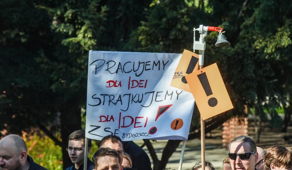 Film do artykułu: Nauczyciele do strajku już raczej nie powrócą