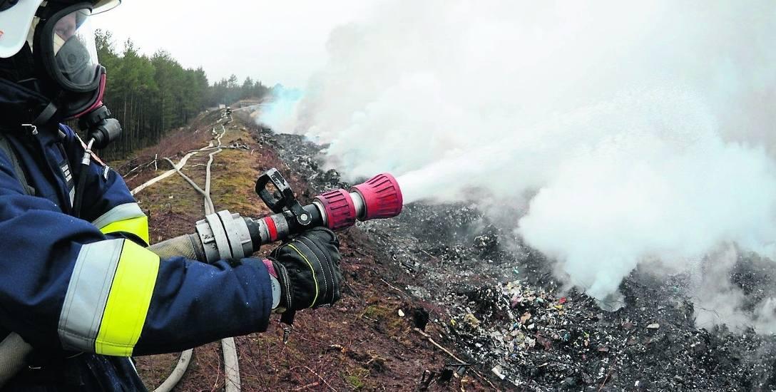 Mamy za sobą kilka dramatycznych pożarów wysypisk. Kilkakrotnie płonęły śmieci  m.in. w Brożku i Kartowicach