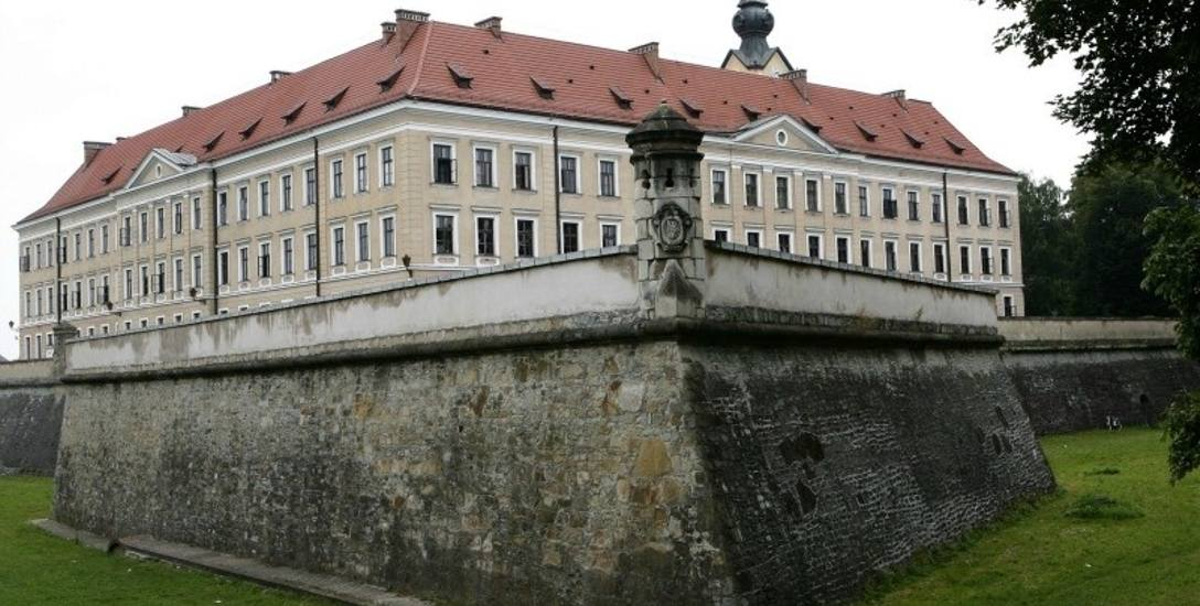Przejęcie Zamku Lubomirskich przez Rzeszów zawieszone. Brakuje 10 mln zł od marszałka