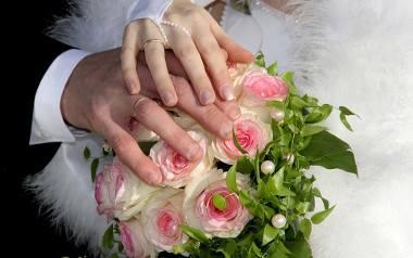 Szykując się do ślubu kościelnego konieczna jest rozmowa z przedstawicielem kościoła. Podczas rozmowy ksiądz sporządza protokół ślubny, który zawiera