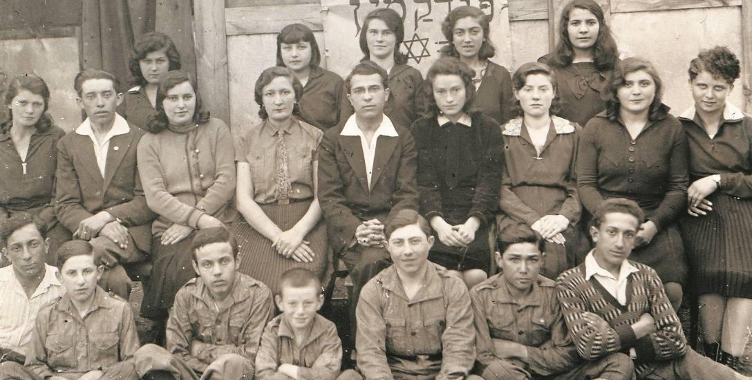 Członkowie kibucu w Galicji na początku XX wieku. Ze zbiorów Centralnego Państwowego Historycznego Archiwum Ukrainy we Lwowie