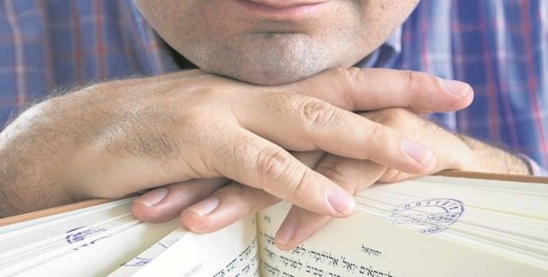 Biblia dla wierzących to podręcznik wiary, a nie  historii czy geografii