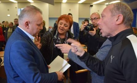Częstochowa: kupcy z Ryneczku rozżaleni decyzją radnych w sprawie targowiska. Mocne słowa po głosowaniu radnych