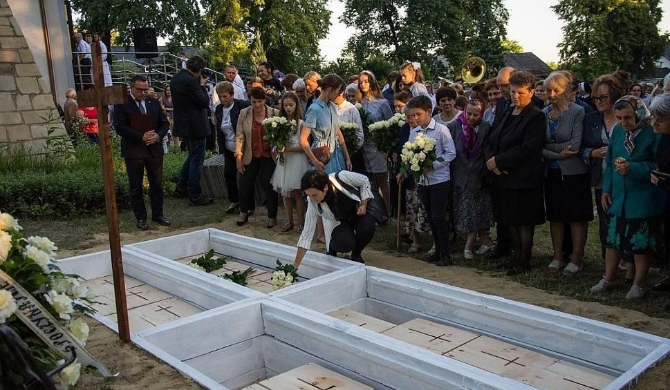 Film do artykułu: Pogrzeb szczątków dawnych mieszkańców Jeżowego, wydobytych na budowie drogi