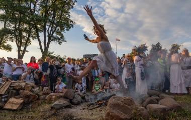 - W magiczny czas letniego przesilenia chcemy czerpać pełnymi garściami z naszego kulturowego dziedzictwa. Noc Kupały to prasłowiańskie święto ognia,