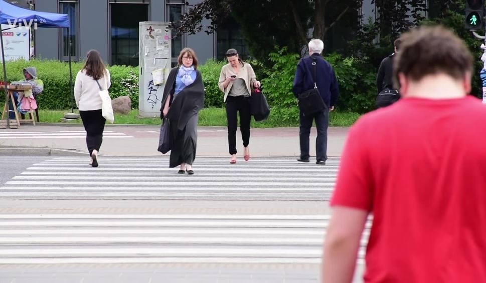 Film do artykułu: INFO Z POLSKI: Rosną pensje, spada bezrobocie