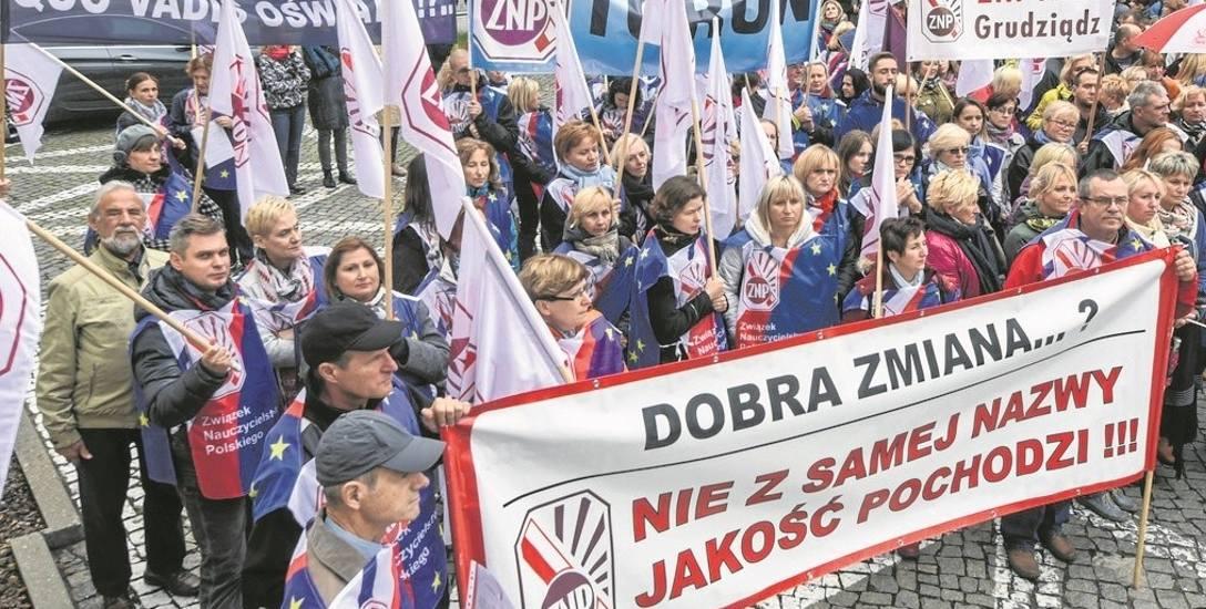 ZNP: - Nauczyciele  są zastraszeni i boją się, że przystępując do strajku, stracą pracę.