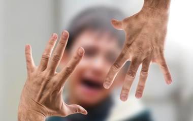 Telefony zaufania w marcu były oblegane. Izolacja w związku z koronawirusem wzmaga przemoc domową