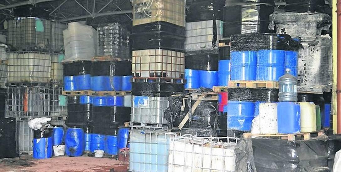 Wywiezienie tych odpadów z hal magazynowych może kosztować nawet 30 milionów złotych