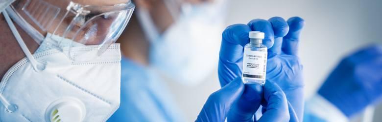 Wariant kalifornijskiJest to jedna z odmian koronawirusa, która sieje największy postrach wśród lekarzy. Wstępne badania wykazały, że może powodować