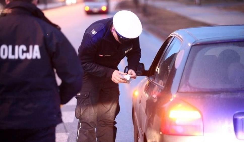 Film do artykułu: Drogi w weekend niebezpieczne. Przekroczenia prędkości i pijani kierowcy