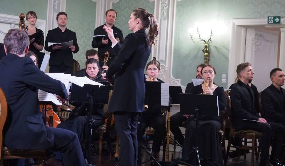 Film do artykułu: Pałac Branickich. Aula Magna. Zespół Muzyki Dawnej Diletto zagrał Oratorium na Boże Narodzenie J.S. Bacha