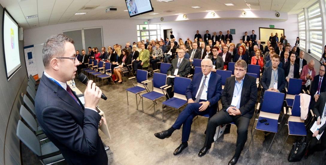 Uczestników Lubuskiego Kongresu Innowacji, który odbył się wczoraj w ramach Lubuskiego Forum Gospodarczego, powitał Jarosław Nieradka, dyrektor biura