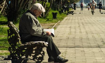 W ciągu ostatnich sześciu lat zaległe długi emerytów wzrosły aż pięciokrotnie, a liczba zadłużonych i niespłacających swoich zobowiązań w terminie emerytów