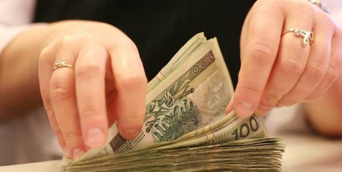 Będą zarabiać tyle samo lub więcej. Radni w Łódzkiem ustalają wynagrodzenia wójtów, burmistrzów, prezydentów i starostów