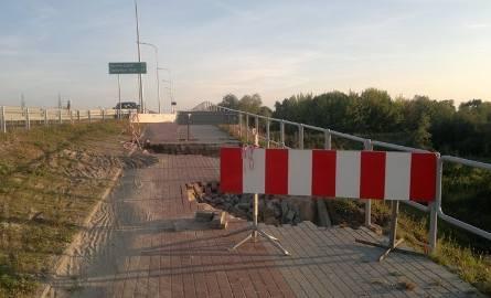 Po naszej interwencji dziury ogrodzono metalowymi barierkami