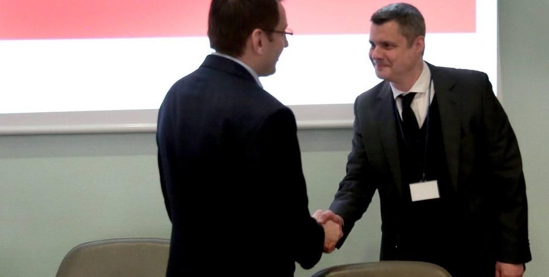 Piotr Kęsik - (z prawej).
