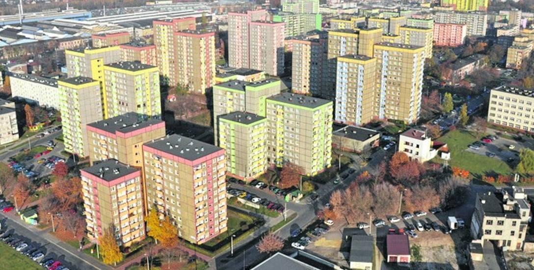 Średnia cena metra kwadratowego mieszkań oferowanych w Dąbrowie Górniczej na rynku wtórnym wynosi ok. 2,4 tys. zł.