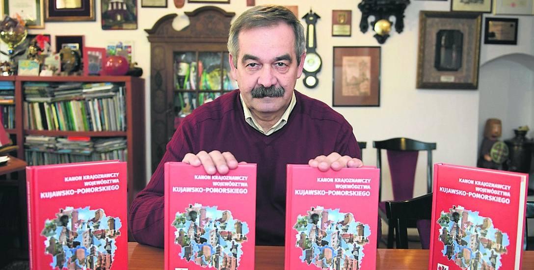 """Henryk Miłoszewski: - """"Kanon"""" to taka encyklopedia, obejmująca najciekawsze regionalne obiekty krajoznawcze"""