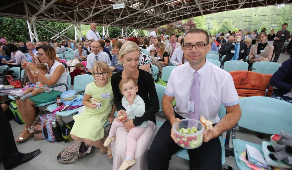 Film do artykułu: Kongres Świadków Jehowy w Sosnowcu ZDJĘCIA [21.07.2017 r.]