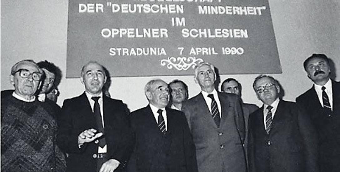 PIerwszy zjazd TSKMN w Straduni uchwalił 7 kwietnia 1990 deklarację programową Towarzystwa.