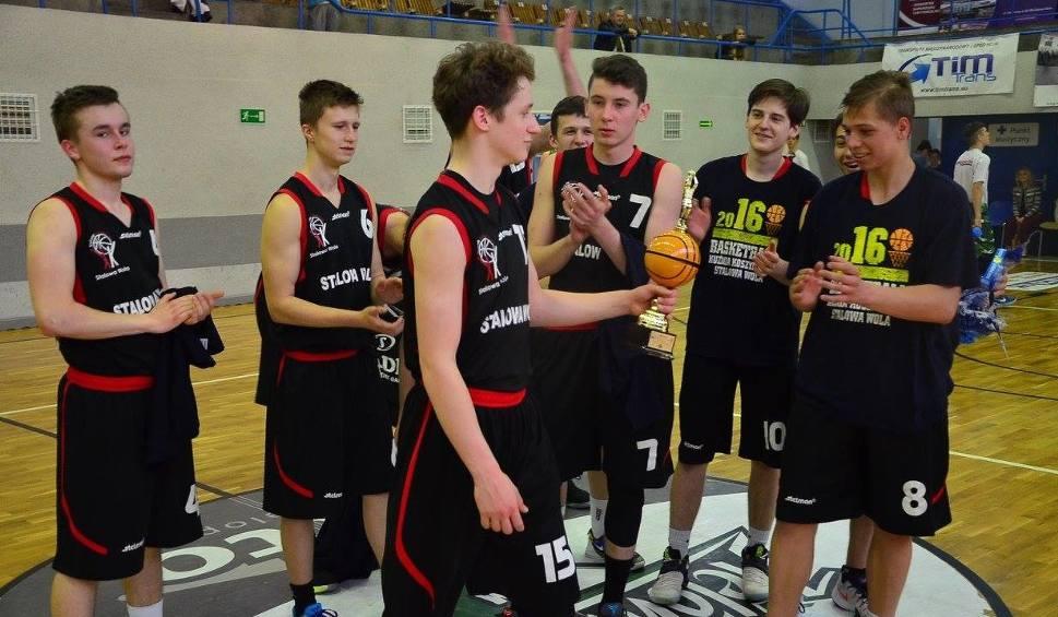 Film do artykułu: Koszykarze ze Stalowej Woli powalczą w turnieju