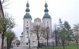 Sercem diecezji łowickiej jest bazylika katedralna w Łowiczu