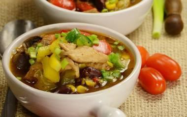Pyszna, rozgrzewająca zupa meksykańska to pomysł na szybki obiad jednogarnkowy. Zobaczcie przepis!