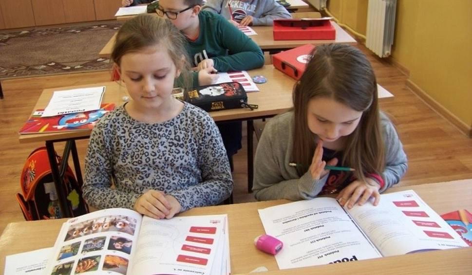 """Film do artykułu: """"Były sobie pieniądze"""" kolejny ciekawy projekt w Szkole Podstawowej w Młodzawach [ZDJĘCIA]"""