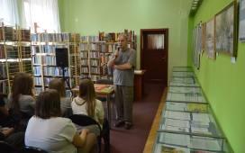 Kozłowski ma na swojej koncie najwięcej książek z  żarskich pisarzy.