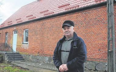 Sołtys Cieminka Stanisław Krasoń: - Pilną sprawą jest  remont kominów w budynku świetlicy