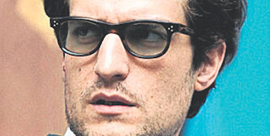 W rolę Jeana - Luca Godarda wcielił się Louis Garrel