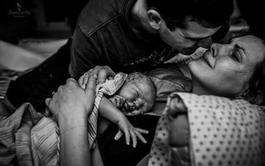 To najlepsze zdjęcia porodów wybrane przez The International Association of Professional Birth Photographers, czyli Międzynarodowe Stowarzyszenie Profesjonalnych