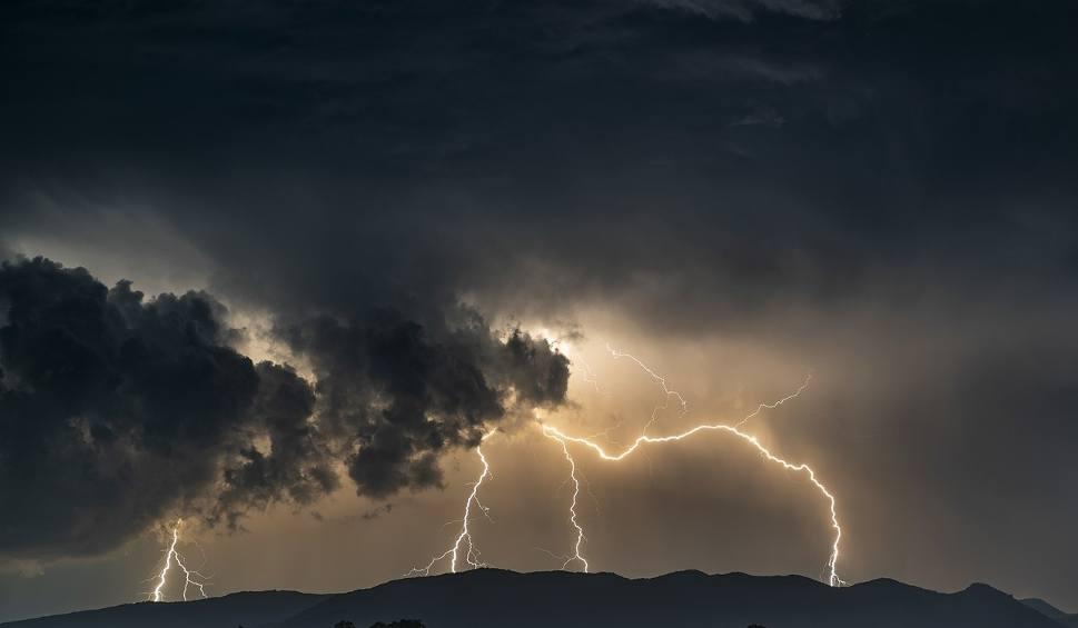Film do artykułu: Na Podkarpaciu będzie załamanie pogody! Idzie wielkie ochłodzenie, opady deszczu, grad i... śnieg [PROGNOZA POGODY, 11 MAJA - 17 MAJA]