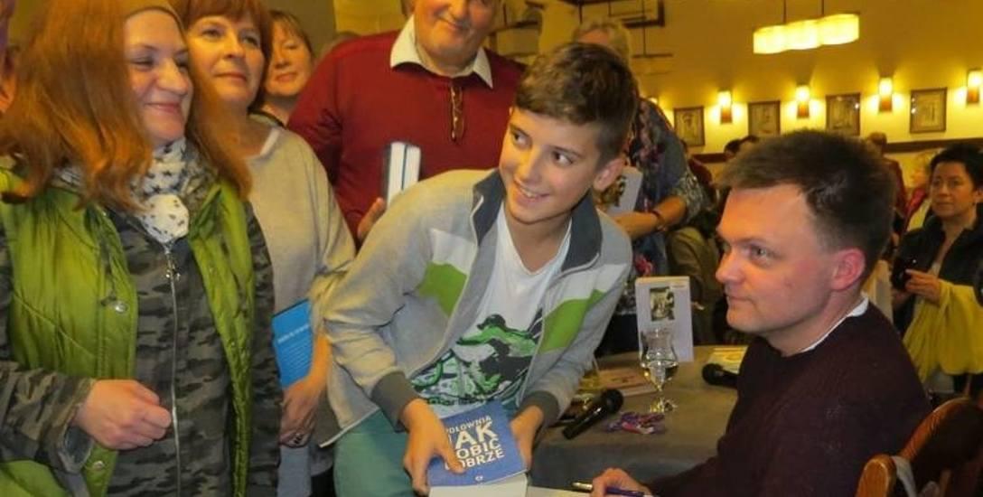 Szymon Hołownia cieszy się wielką popularnością jako autor książek i postać z telewizyjnego okienka, ale też niezły mówca