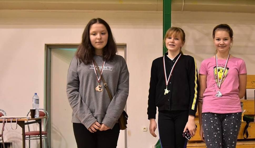 Film do artykułu: Szósty zimowy turniej badmintona w Ośrodku Sportu i Rekreacji w Staszowie
